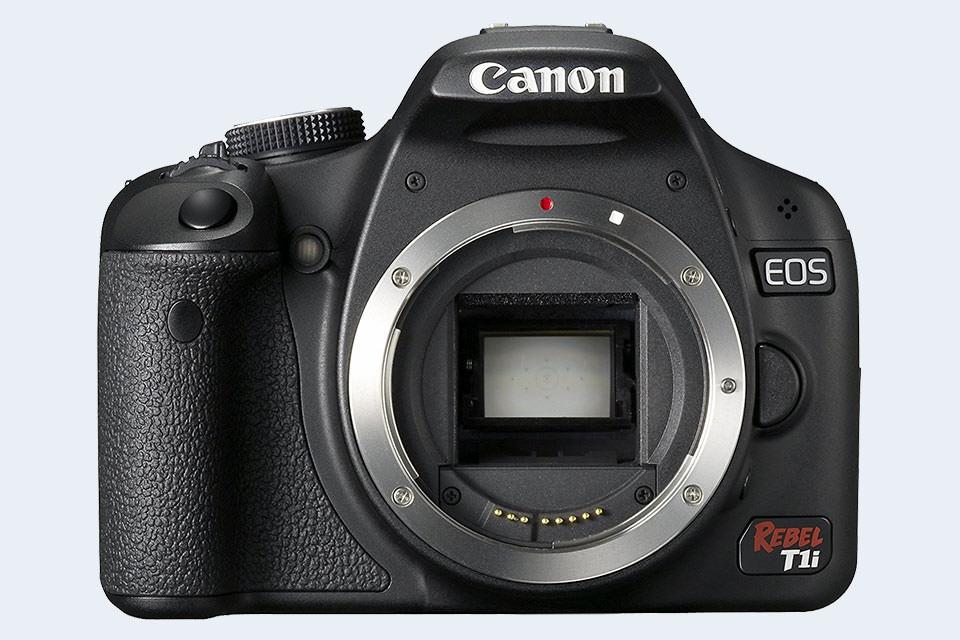 Canon SL1 vs Sony A7 III Comparison Review