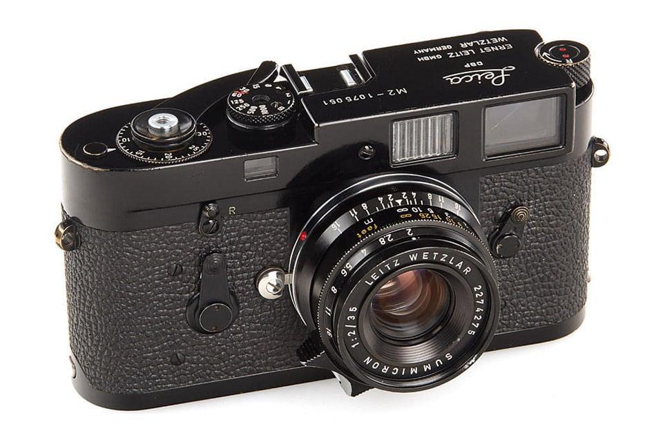 Leitz: M2 (chrome, lever rewind) Price Guide: estimate a camera value