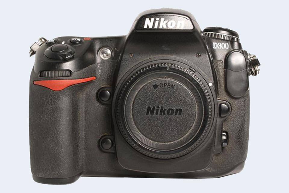 Nikon D300S Comparison Review