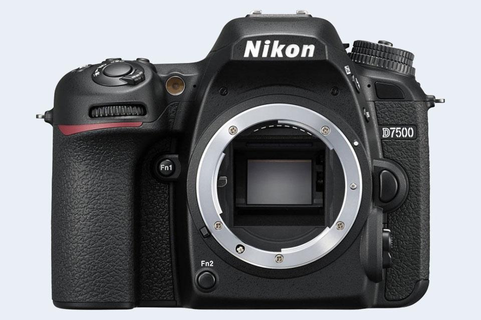 Nikon D750 vs Nikon D7500 Comparison Review