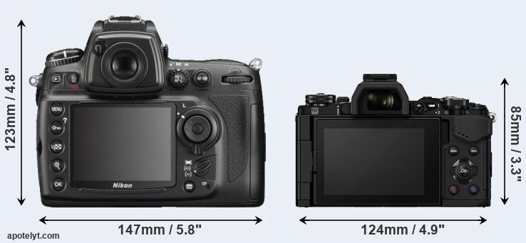 D700 and E-M5 II rear side