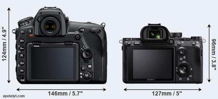 D850 and A7R III rear side
